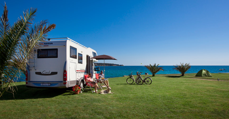 Camper aan zee, Novigrad - photo