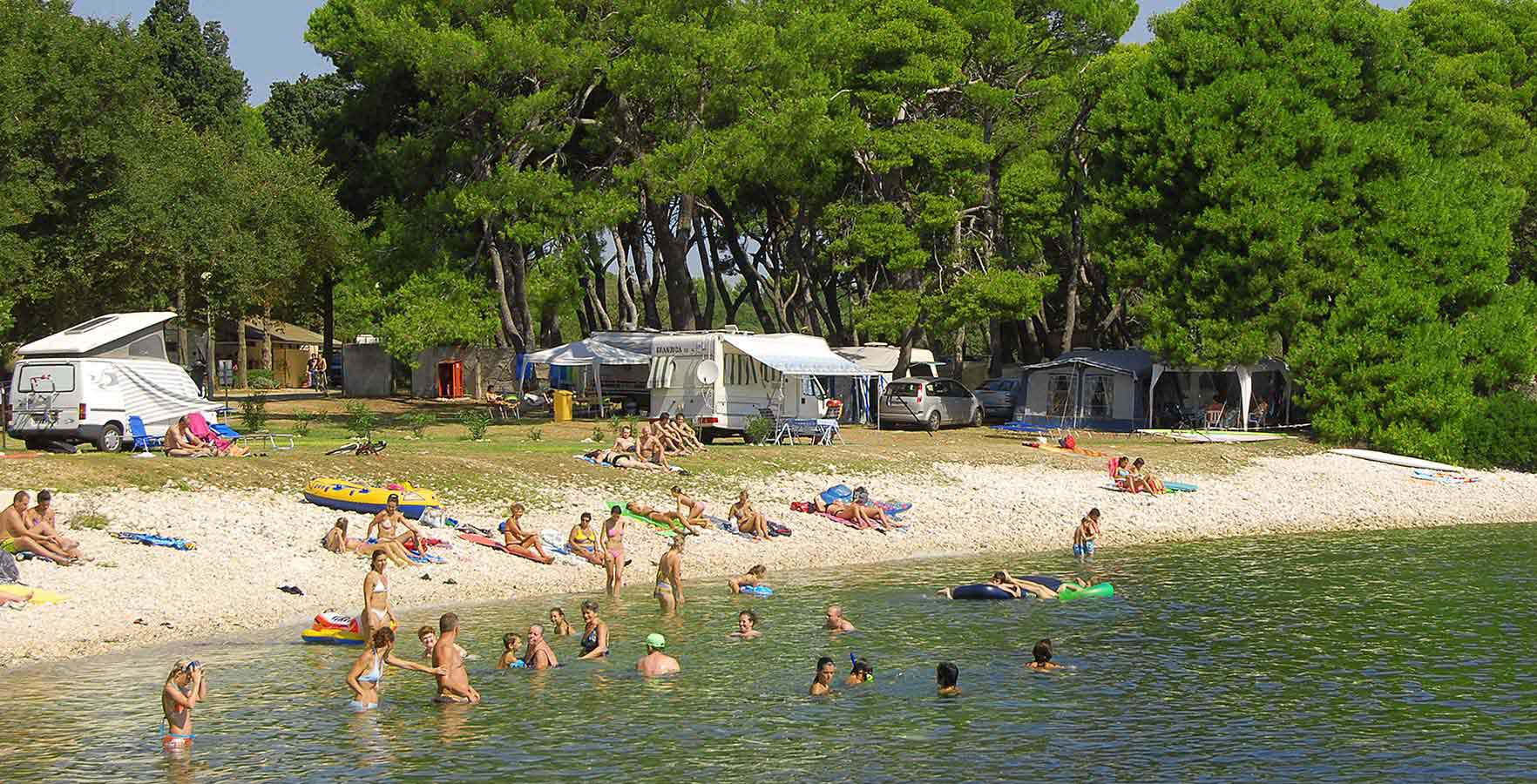 Campsite Stoja Pebble Beach