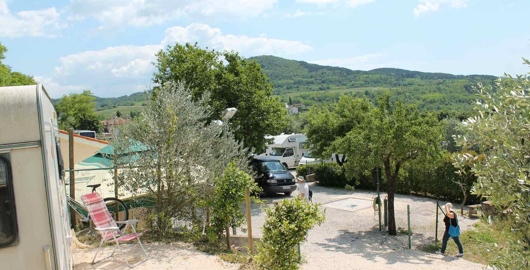 Camper stop Motovun - camping in the shade