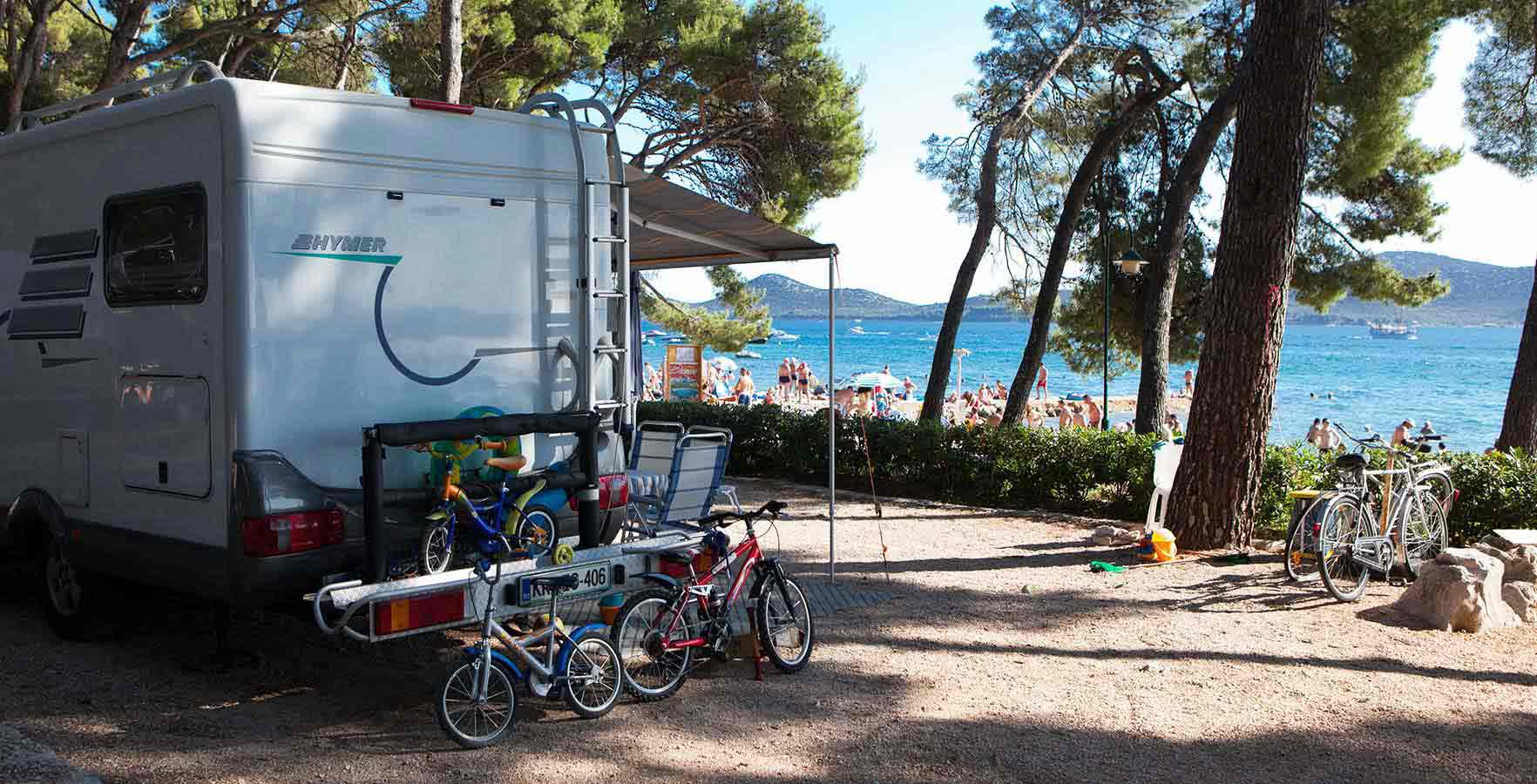 Campsite Park Soline - camping in the shade