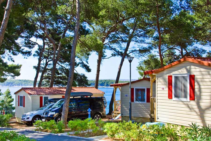 Case mobili sull 39 isola di rab federazione camping croazia for Soggiorno in croazia