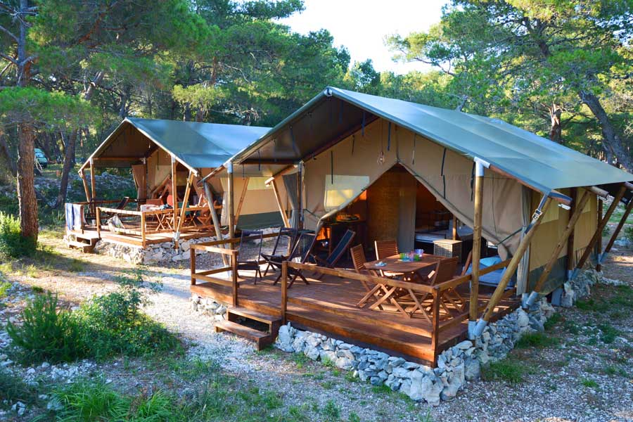 neue safari glamping zelte auf dem campingplatz ikat campingverband kroatien. Black Bedroom Furniture Sets. Home Design Ideas